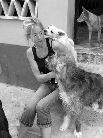 Sylvia mit Hunden